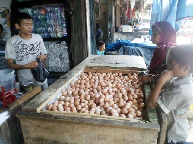 Pedagang telur ayam. Ilustrasi
