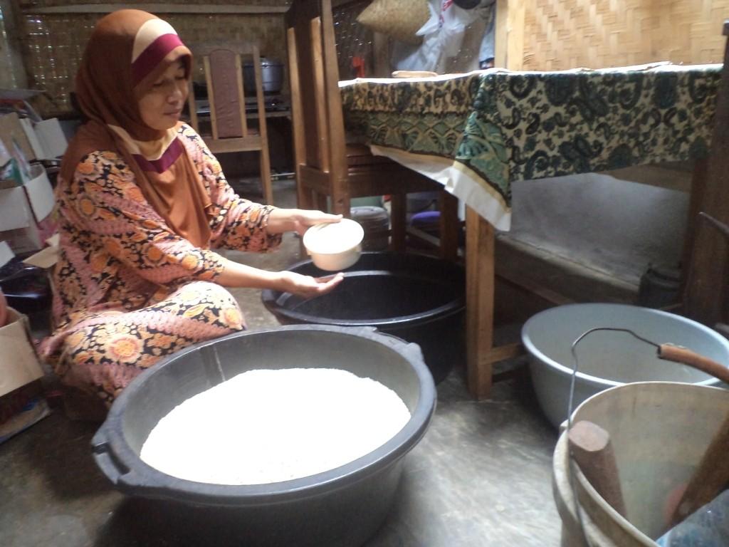 BUTUH BANTUAN : Keberadaan UMKM di Cianjur kerap terbentur ragam kendala dan masih membutuhkan bimbingan dan modal.