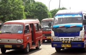 TRAYEK ANGKOT : Keberadaan dewan transportasi ke depan untuk memberikan masukkan pada Dishub soal penataan angkot di Kota Bekasi. RISKY/RADAR BEKASI