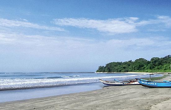Pantai Minajaya Surade, Wisata Pantai