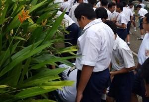 SD dan SMP Kesatuan Bogor Ikut Bikin Lubang Biopori