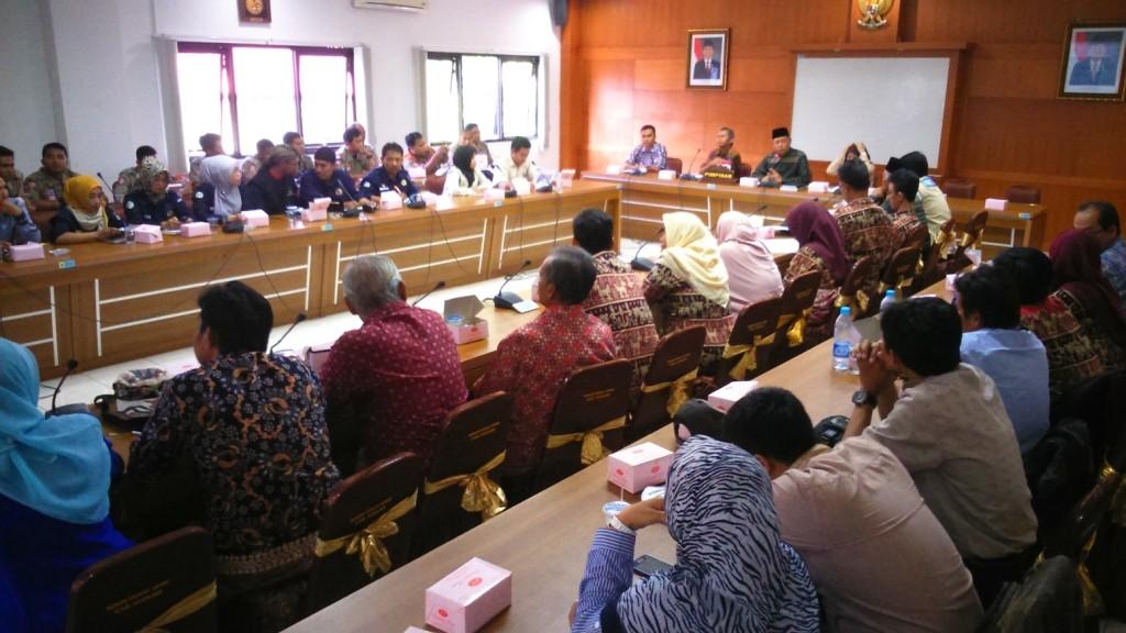 Audiensi peksos di gedung DPRD Kabupaten Cianjur.