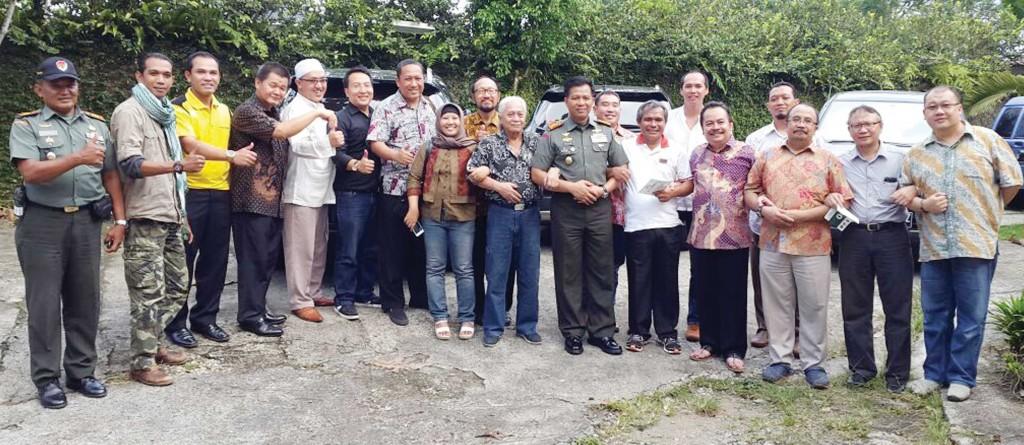 KOMPAK: Komunitas Bogor+Sahabats usai berdiskusi jelang penyelenggaraan Festival Merah Putih, kemarin.