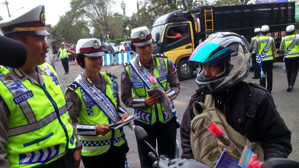 Polres Cianjur saat melakukan Operasi Simpatik Lodaya 2015.