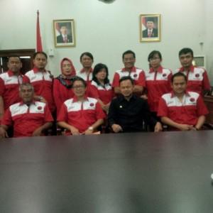 Pengurus DPC PDIP Kota Bogor berfoto bersama Walikota Bogor usai berdiskusi, kemarin.