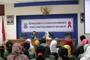 Sekretaris Dinas Kesehatan Kota Cimahi, Fitriani Manan saat  kegiatan pelatihan kaloborasi TB dan HIV kemarin