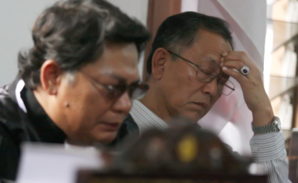 SIDANG PK : Mantan Wali Kota Bandung, Dada Rosada saat mengikuti persidangan PK di Pengadilan Tipikor Jalan Riau Kota Bandung, Selasa (26/5).