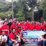 MY FAMILY: Keluarga besar club Pajero Indonesia One, foto bersama di sela halal bihalal.