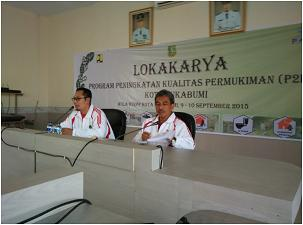LOKAKARYA: Wakil Walikota Sukabumi, Achmad Fahmi saat meresmikan Lokakarya P2KP Kualitas Permukiman di Kantor Dinas PU dan Permukiman Tata Ruang, belum lama ini.