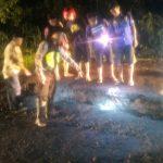 Jalan Raya Tomo Sumedang, Desa Cireki, Kecamatan Tomo, amblas sekitar 40 cm, pada Senin (6/3/2017) malam