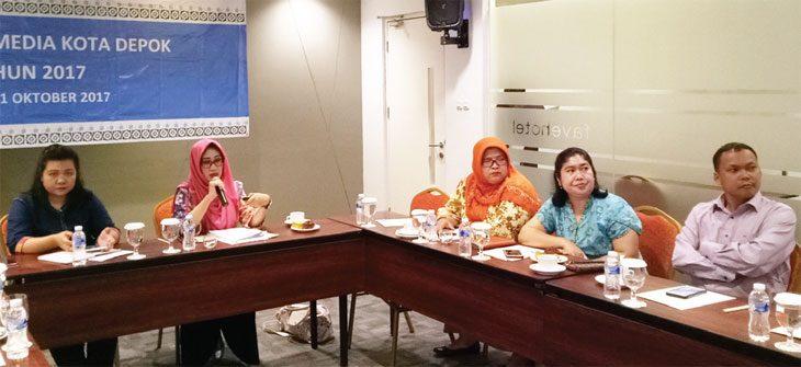 IMBAU: Kepala BPJS Kesehatan Cabang Kota Depok, Maya Febriyanti Purwandari memberikan pemaparan mengenai program JKN-KIS di Kota Depok. Fahmi/Radar Depok