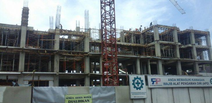 Proyek gedung yang menelan anggaran 86 Miliar rupiah tersebut dipastikan tidak selesai akhir tahun ini, Kamis (12/10/2017).