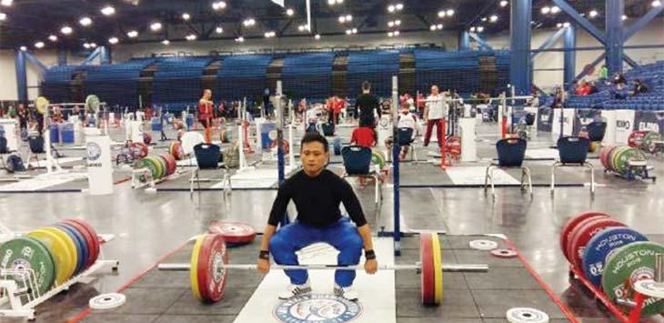 SIAP BERKIPRAH: Lifter Kota Bogor, Muhammad Furqon, menjalani latihan. Ilustrasi