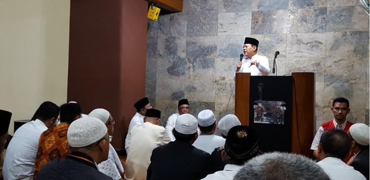 Sudrajat Shalat Subuh Berjamaah di Masjid Istiqomah Jalan Citarum Bandung, Rabu (10/1)./Foto: Rmol
