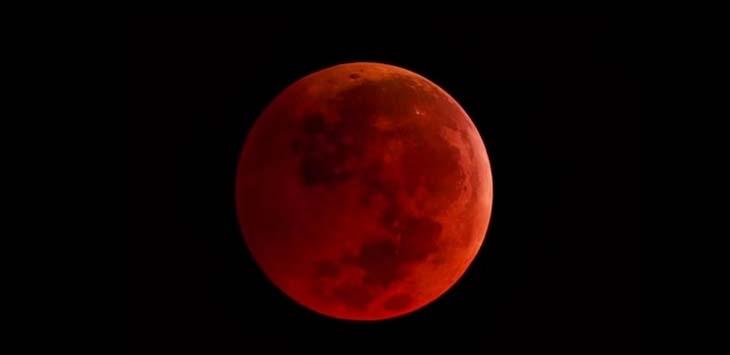 Supermoon Merah (ilustrasi)./Foto: Istimewa