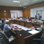Sebanyak 8 serikat buruh di antaranya ISMI, RTMM, Gartek, Kahupindo, Ukatan, Lomenik, Gaspermindo mendatangi Gedung DPRD Kabupaten Bogor.