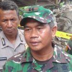 Dandim 0620 Kabupaten Cirebon, Letkol Inf Irwan Budiana saat memberi keterangan di hadapan sejumlah media./Foto: Alwi.