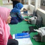 Disdukcapil kota Cirebon menggagas program Pelayanan Keliling Penerbitan E-KTP./Foto: Rmol