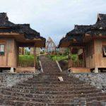 RUMAH PANGGUNG: Salah satu faslitas dan sarana yang terdapat di Kampung Budaya Padi Pandanwangi Cianjur.