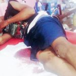 NAHAS : Korban mengalami luka di bagian bokong karena dicerulit segerombolan pemuda. Aji Hendro/Metro Depok