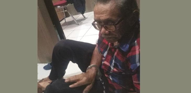 DIBORGOL: MS (84) asal Cicurug, Kabupaten Sukabumi ini tertunduk malu usai diamankan Sat Reskrim Polres Sukabumi Kota, kemarin(9/1).
