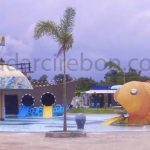 wisata Waterpark Bojongsari di Desa Bojongsari, Kecamatan Indramayu yang lebih menantang, bisa membuat betah pengunjung. FOTO:SUGUNTORO/RADAR INDRAMAYU