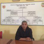Pengiat olahraga Kabupaten Cirebon Sutardi Raharja saat ditemui di kantor KONI Kabupaten Cirebon. Foto: Dede/pojokjabar