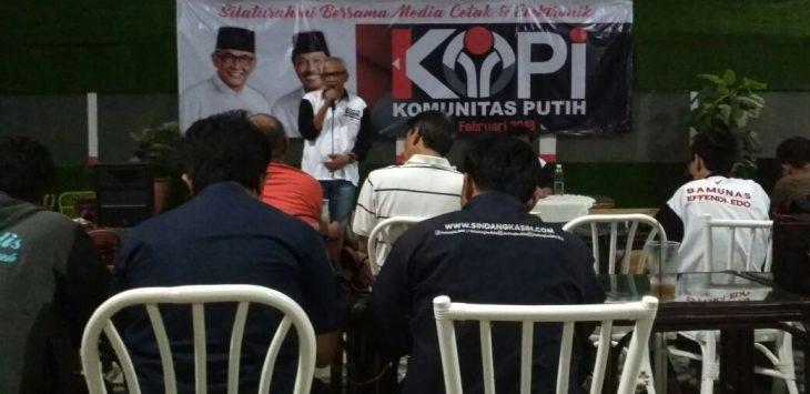 Bamunas S Boediman (Oki), calon Walikota Cirebon nomor urut satu saat menjelaskan tentang kondisi Kota Cirebon. Foto: Alwi/pojokjabar.com.