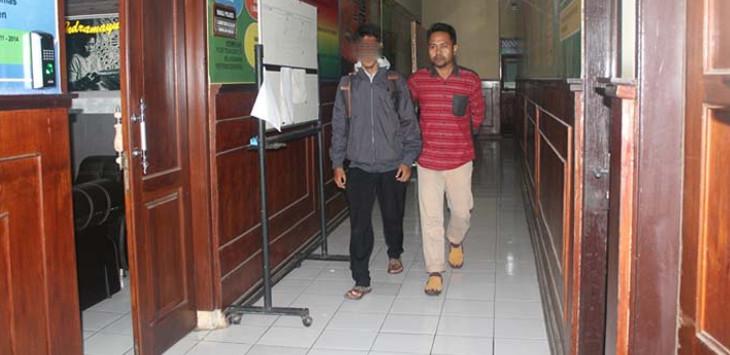 KENA UU ITE: WS (27) penyebar berita hoax diamankan petugas Satreskrim Polres Indramayu. FOTO: KOMARUDIN KURDI/RADAR INDRAMAYU