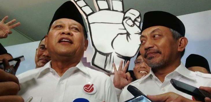 Ilustrasi :Sudrajat (kiri) dan Ahmad Syaikhu (kiri) saat memberikan keterangan kepada wartawan. Siti Fatonah/JawaPos.com