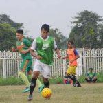 BERLATIH: Pemain tim sepak bola Porda Kabupaten Bogor saat latihan di lapangan luar Stadion Pakansari, beberapa waktu lalu. Dok Radar Bogor