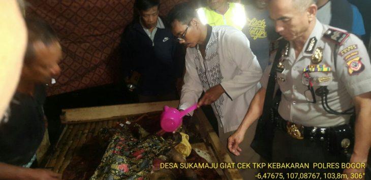 Seorang nenek tewas terbakar saat tidur di rumah yang ia tempati dengan kondisi rumah tidak layak huni (RTLH).