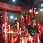 Warga Tionghoa menyambut perayaan Tahun Baru Imlek di Vihara Amurwa Bhumi Cibinong, Kabupaten Bogor.