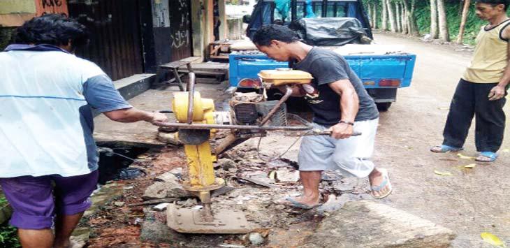 DIKERJAKAN: Bekas galian saluran PDAM Tirta Asasta Depok kini sudah diperbaiki di RW 09, Kelurahan Pengasinan, Kecamatan Sawangan,senin (12/2/18). IST/RADAR DEPOK