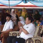 CNL: Bupati Cianjur Irvan Rivano Muchtar melakukan kunjungan ke Kecamatan Sukaresmi. Dalam kesempatan itu bupati menjanjikan anggaran sebesar Rp12 miliar untuk infrastruktur.