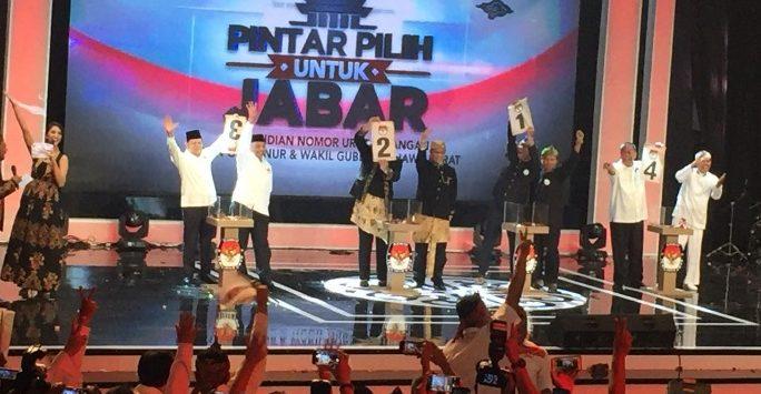 Keempat pasangan Calon Gubernur Jawa Barat dan Calon Wakil Gubernur telah resmi mendapatkan nomor urut di SOR Arcamanik, Kota Bandung, Selasa  (13/2/2018) malam.