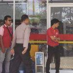 preman serang mini market