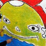 PERCANTIK: Tampak salah satu anggota komunitas yang ikut membuat gambar mural bertema keberagaman. Wulan/Radar Bogor