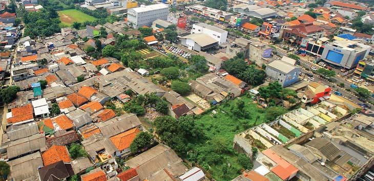 Tampak terlihat pemukiman padat yang terus berkembang di sekitar kawasan Jalan Margonda Raya. Ahmad Fachry/Radar Depok
