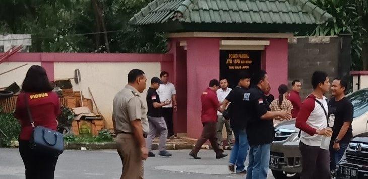 Situasi saat oknum pegawai BPN Kabupaten Bekasi terjaring OTT.Foto : Istimewa
