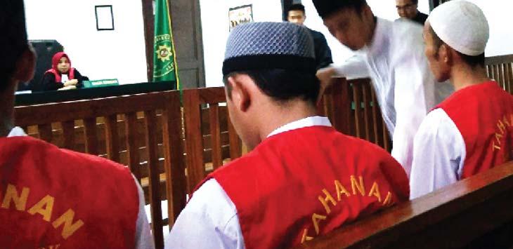 SIDANG: Proses persidangan pemeriksaan terdakwa, yang dipimpin Hakim ketua Teguh Arifiano. Rubiakto/RadarDepok