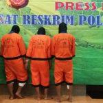 Kapolresta Bogor Kota, Kombes Pol Ulung Sampurna Jaya mengatakan dalam modus operandinya para tersangka ini menukar kartu dengan kartu yang kadaluarsa/Foto: Adiwirman.