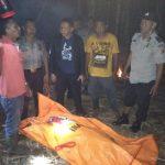 Polisi evakuasi mayat di Sungai Cianteun.