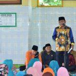 Wakil Bupati Bekasi Eka Supria Atmaja saat memberikan sambutan di kegiatan Maulid Nabi Muhammad SAW di Kecamatan Sukatani. Foto : Humas Pemkab Bekasi for Pojoksatu