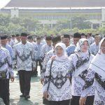 ASN Kabupaten Bekasi usai mengikuti apel pagi. Foto : Dokumentasi