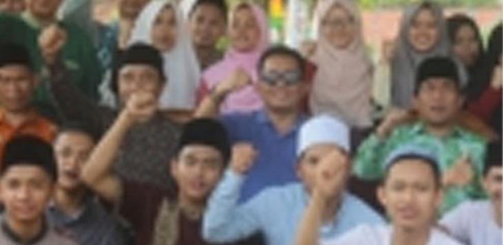 Wakil Bupati Tasikmalaya Ade Sugianto saat berasama peserta MTQ Ke-35 dari Kabupaten Tasikmalaya Tingkat Provinsi Jabar./Foto: via Rmol.co.