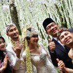 Calon Gubernur Jabar Ridwan Kamil saat menjadi saksi di pernikahan Syahnaz dan Jeje, Sabtu (21/4/2018)./Foto: Istimewa
