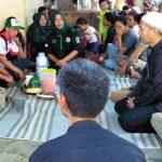 Calon wakil wali kota Bogor Sugeng Teguh Santoso mendengarkan aspirasi warga Kampung Situbereum RW 03, Kelurahan Bojongkerta, Kecamatan Bogor Selatan.
