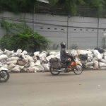 Tumpukan-Sampah-di-Jalan-Mahar-Martanegara