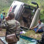 Bus IPB alami kecelakaan tunggal sepulang dari Geopark Ciletuh, Kabupaten Sukabumi, Minggu (22/4/2018)./Foto: Dhoni